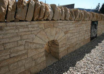 bellelay-mur-en-pierres-seches-jura-voute