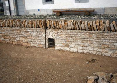 Trockenmauerwerk mit Gewölbe